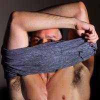 7_wearingbodies_shirtoff01