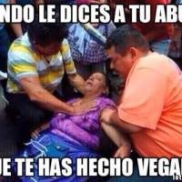 772701442093678-memes-de-abuelas